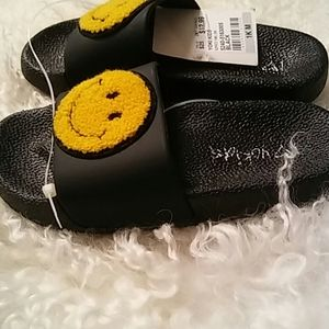 i ❤ Yo Kids Shoes - I❤ YoKids Girl's Happy Face Sandals